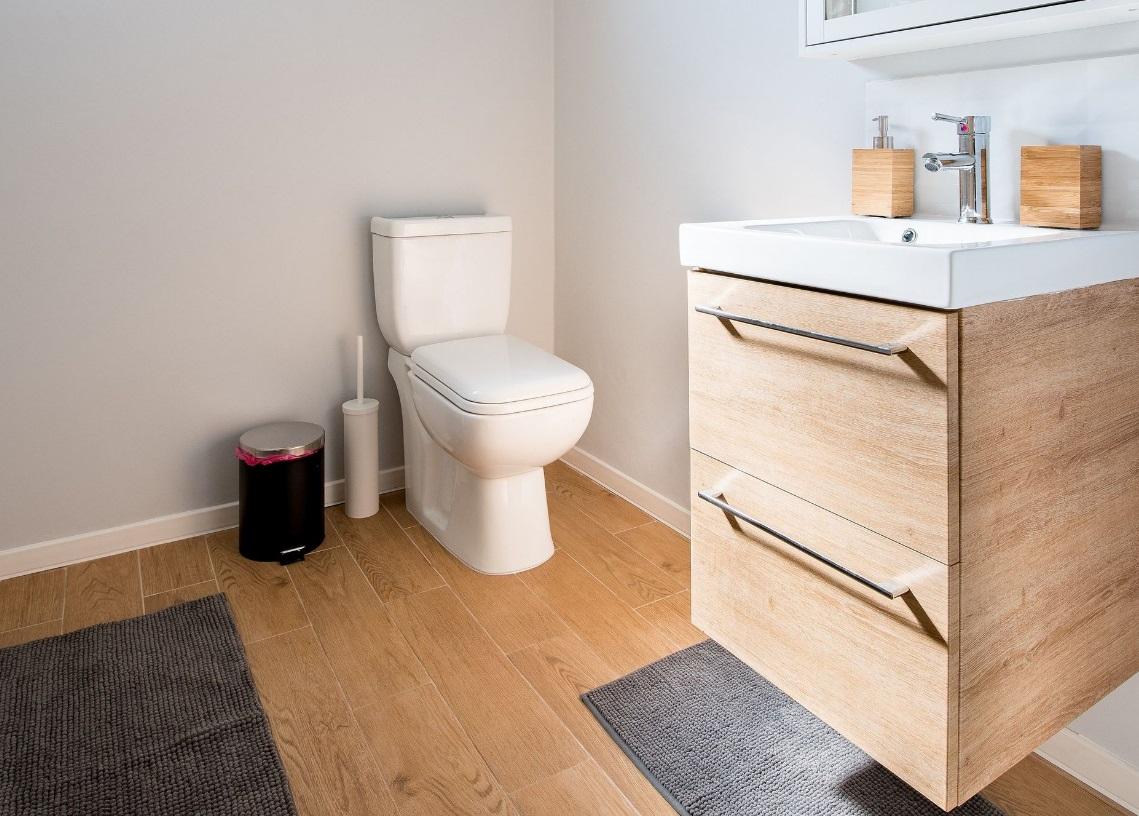 Toilette lavabo salle de bains